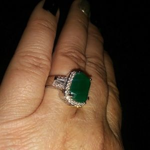 Emerald green & white sapphire ring